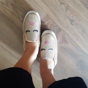 Eyelashes Girl  glitters shoes